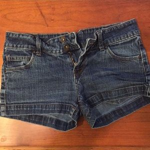 Mossimo denim shorts size 5 (fits like size 4)